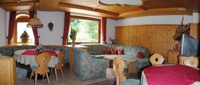 Hotel Alpina Shwendau, Mayrhofen, Austria - dining room.jpg
